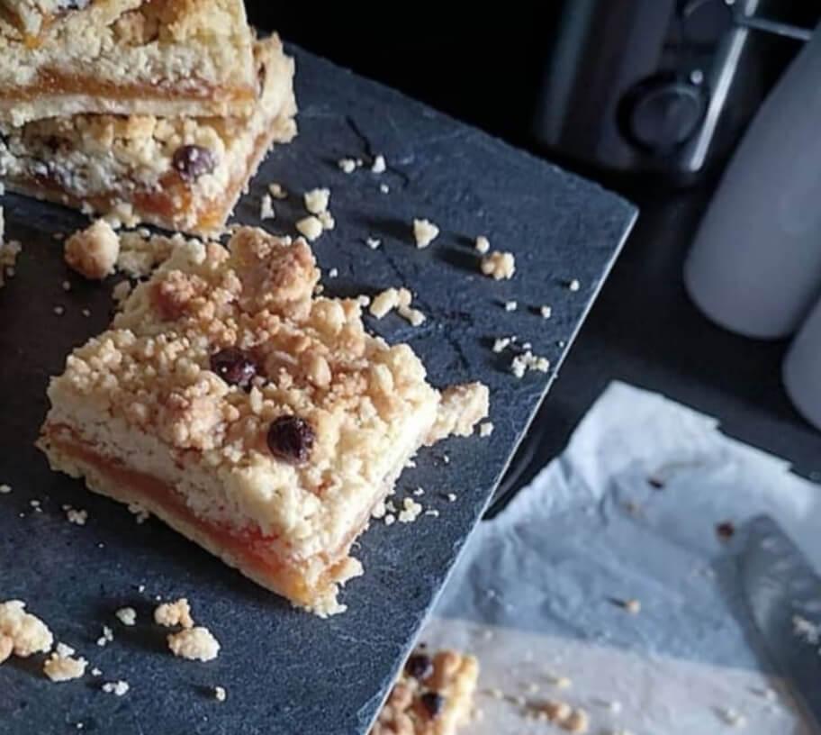 Gâteau façon crumble à la confiture d'abricot du roussillon