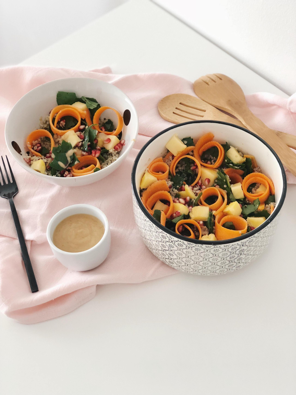 Salade de quinoa équitable et bio sauce cacahuète
